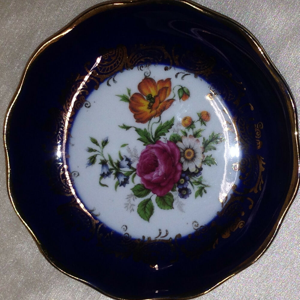 veritable porcelaine d 39 art limoges france pin dish coaster floral spray center ebay. Black Bedroom Furniture Sets. Home Design Ideas