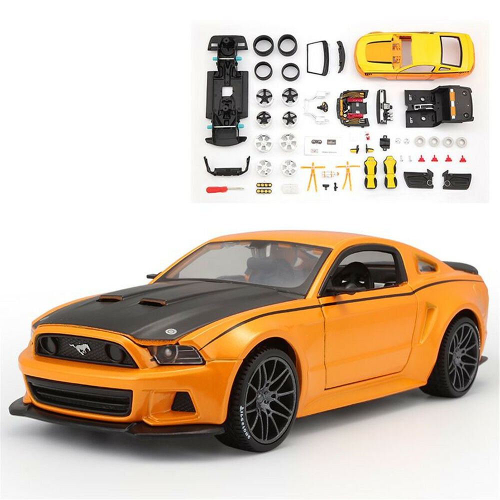1:24 Ford Mustang Street Racer Diecast Assembly Line Metal