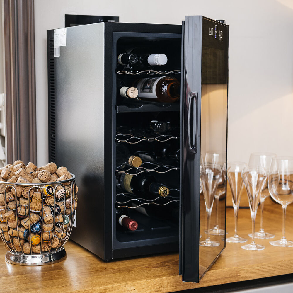 ovation dual zone wine bottle and drinks thermoelectric. Black Bedroom Furniture Sets. Home Design Ideas