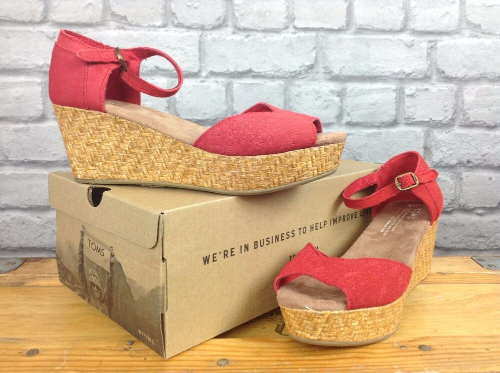 5b90f6d886c Details about TOMS LADIES EMBOSSED PLATFORM RED SUEDE WEDGE SANDALS SUMMER  BEACH ALL SIZES