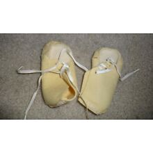 Vintage Cream Felt Soft Baby Shoe 4
