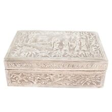ANTIQUE 19TH CENTURY REPOUSSE SILVER CHINESE FIGURAL BOX