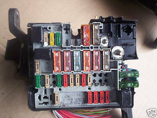 Peugeot 206 Fuse Box Buzzing : Peugeot fuse box earlier type engine bay ebay