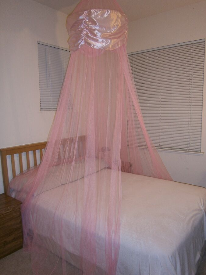 round hoop bed canopy mosquito net for queen full king beds in many colors ebay. Black Bedroom Furniture Sets. Home Design Ideas