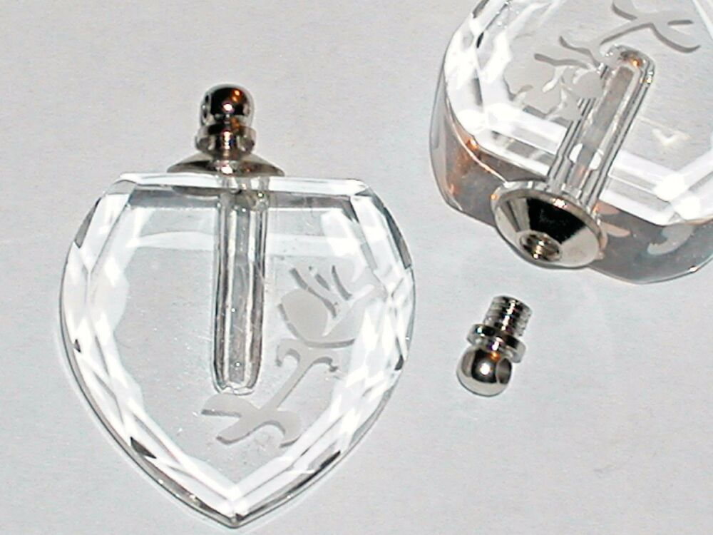 1 lg carved clear glass perfume necklace