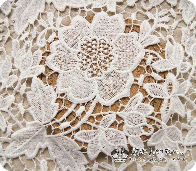 1 yard of victorian bridal wedding dress floral white lace for Victorian floral fabric