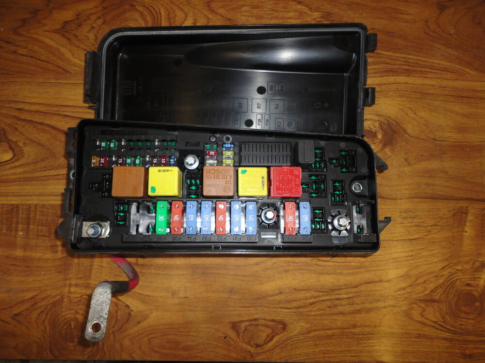Vectra C Fuse Box Fault : Vauxhall vectra c front fuse box fusebox uec ident code up