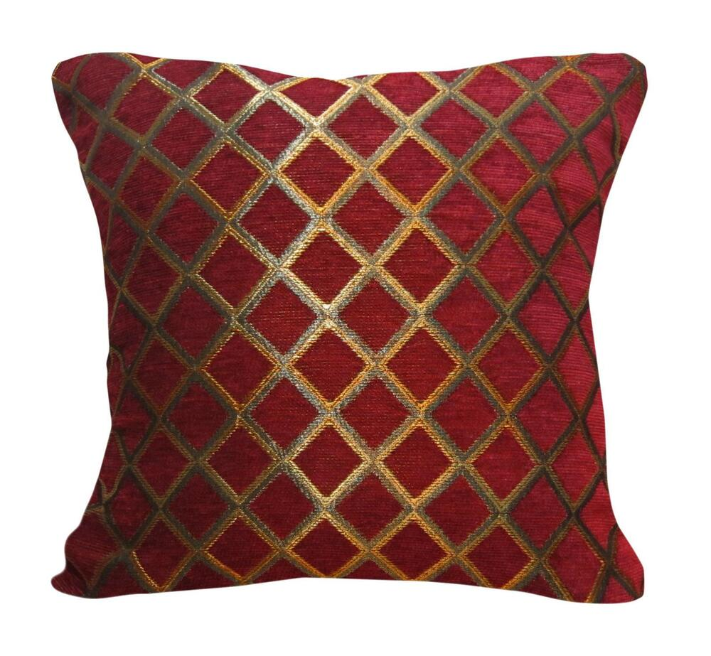 Wd33ba Gold On Red Damask Chenille Check Throw Cushion
