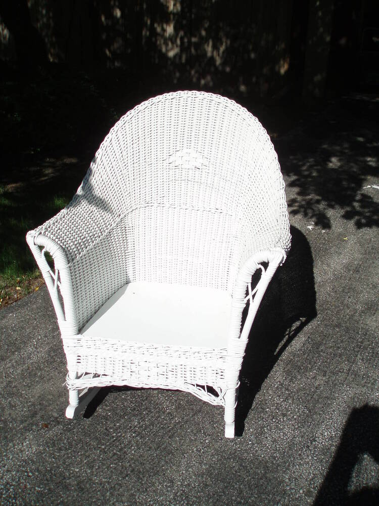 vintage high back white wicker rocking chair ebay. Black Bedroom Furniture Sets. Home Design Ideas