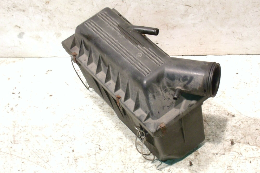 Jeep Wrangler Yj Air Cleaner Box 2 5l 4 0l 1991