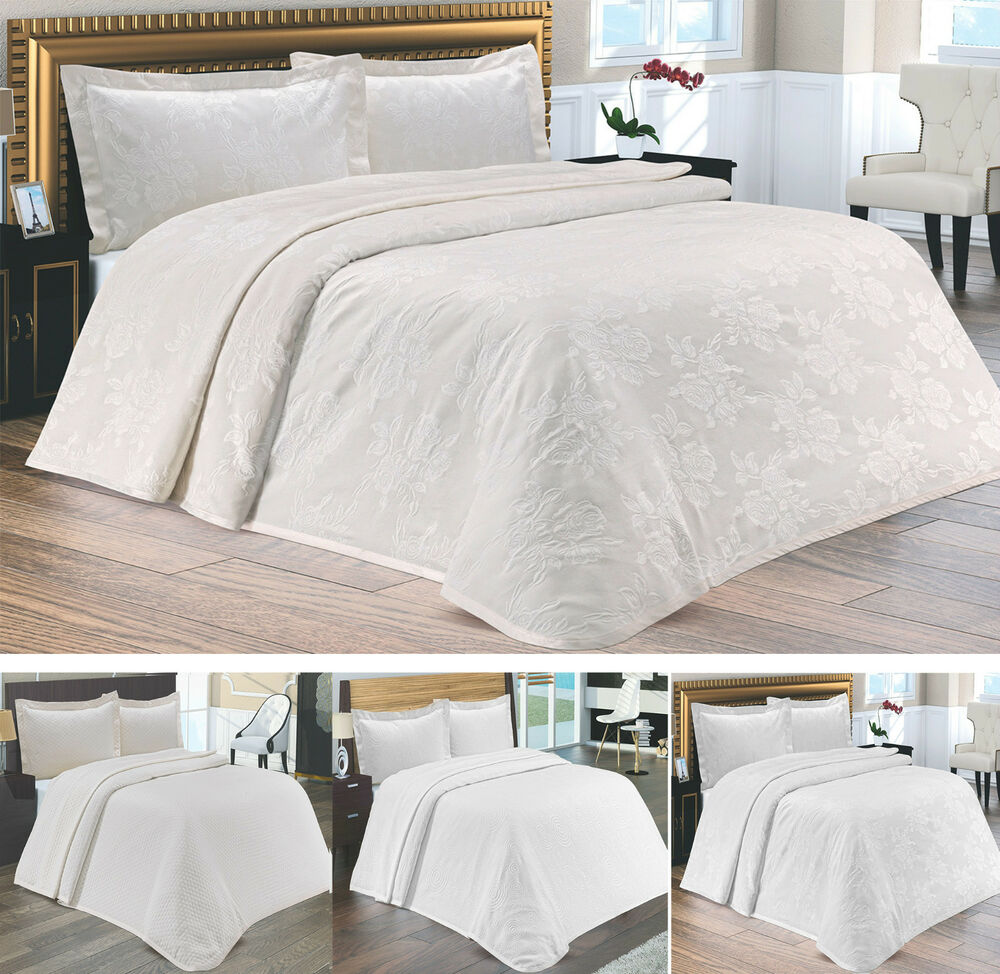 new luxury heavy cotton double bedspread throw cream or. Black Bedroom Furniture Sets. Home Design Ideas