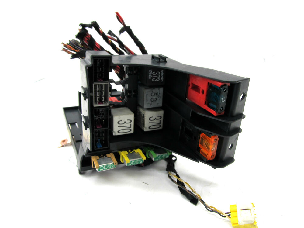 2004 2006 audi a8 l quattro d3 oem left front relay. Black Bedroom Furniture Sets. Home Design Ideas