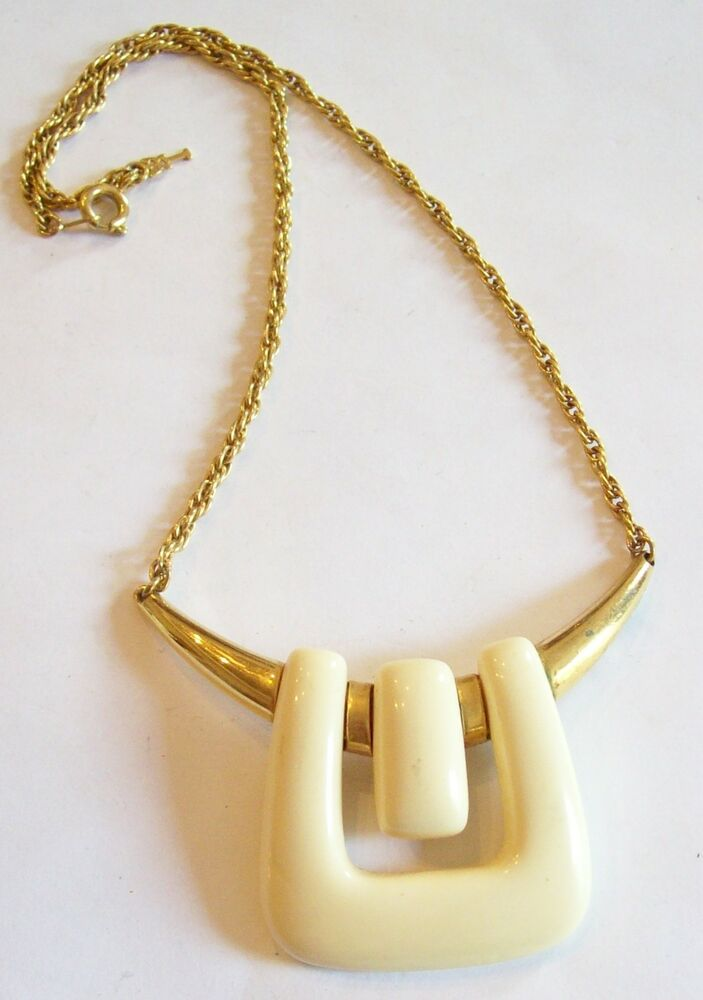 Vintage Crown Trifari Lucite Abstract Necklace