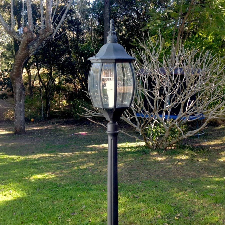 Black Led Solar Powered 5 Ft Traditional Garden Lamp Post: GARDEN LAMP POST Tall Black Federation Style For Home Or