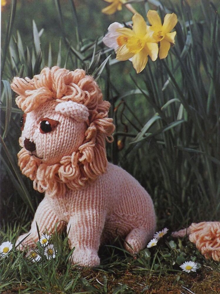Free Knitting Pattern Toy Lion : Toy Lion Vintage Knitting Pattern Stuffed 10