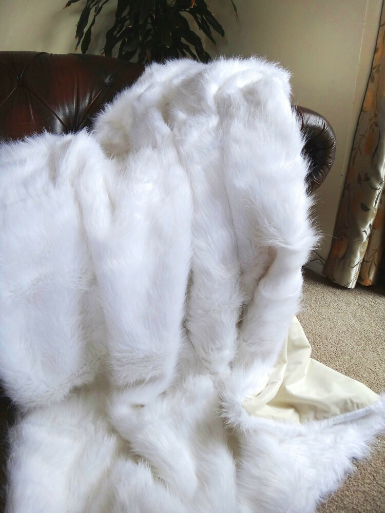White Faux Fur Throw / Blanket Fake Fox Fur Queen Size LX4276