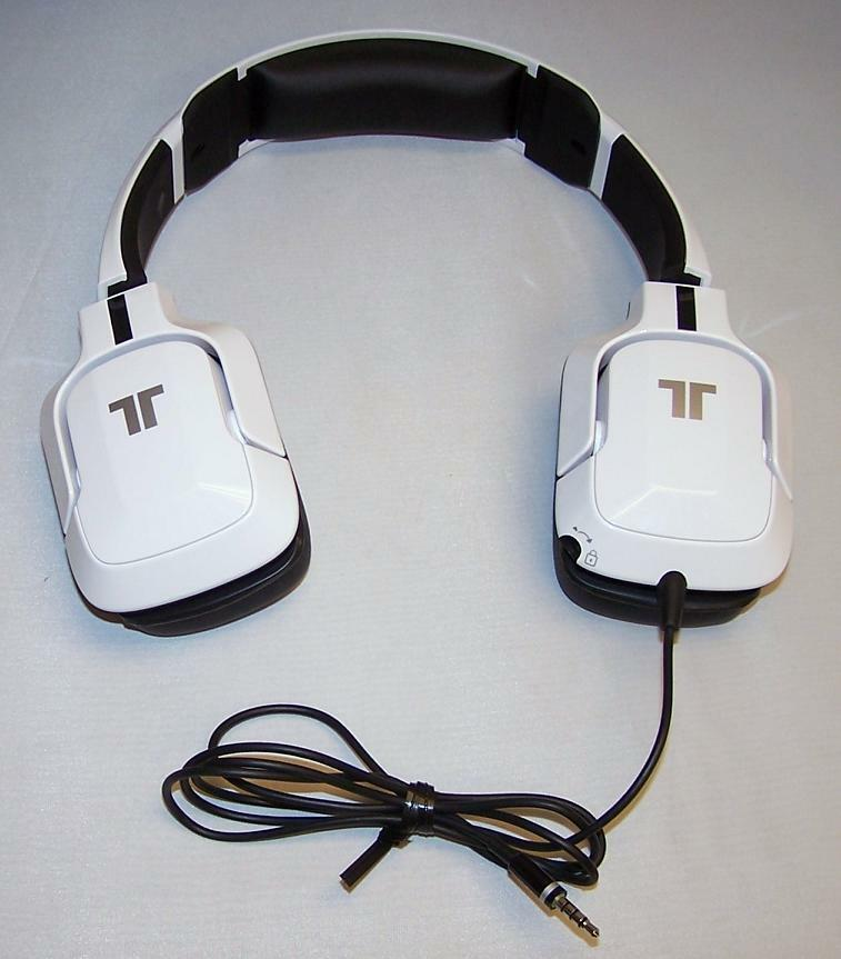 white tritton kunai universal stereo gaming headset. Black Bedroom Furniture Sets. Home Design Ideas