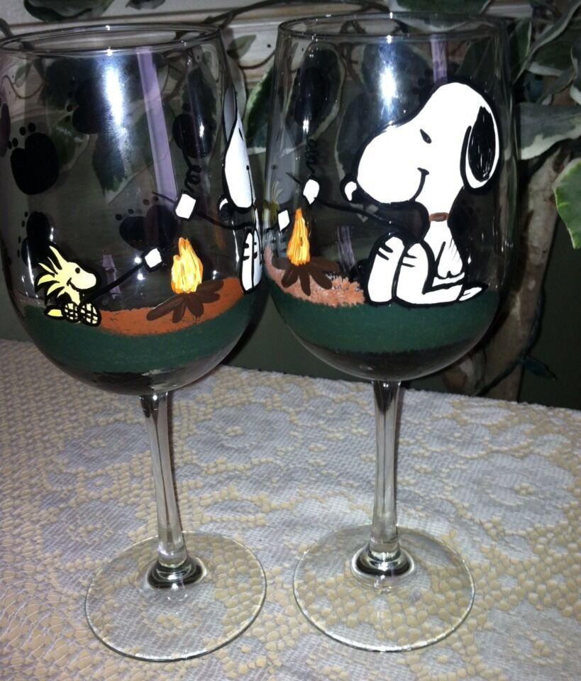 Hand painted snoopy wine glasses set of 2 ebay for Hand painted glassware