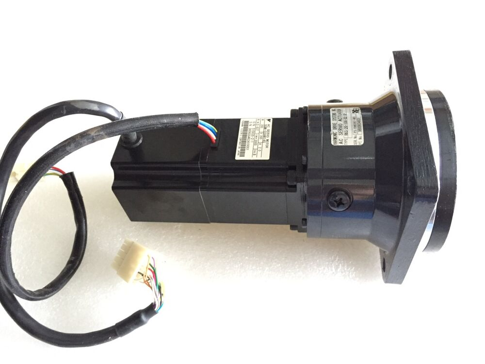 Yaskawa sgm 02aw14s ac servo motor with harmonic drive for Servo motors and drives inc