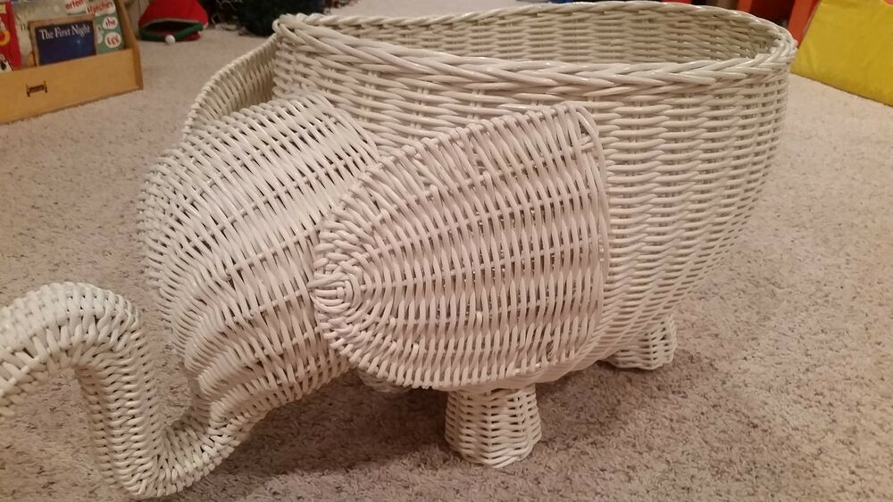 Pottery barn kids pbk elephant white rattan wicker basket large euc buy now ebay - Elephant hamper wicker ...