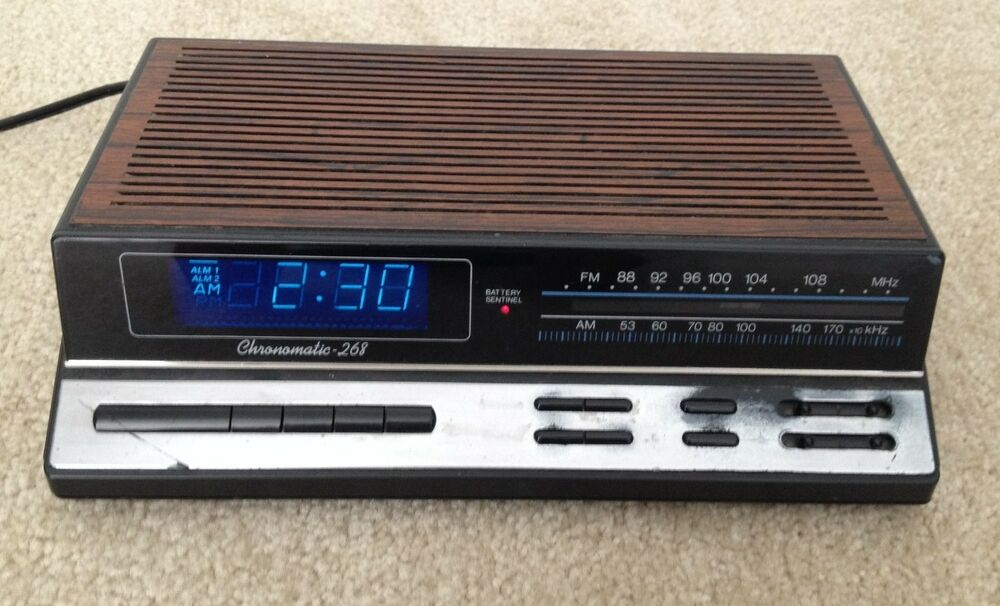 flip alarm clock radio retro. Black Bedroom Furniture Sets. Home Design Ideas