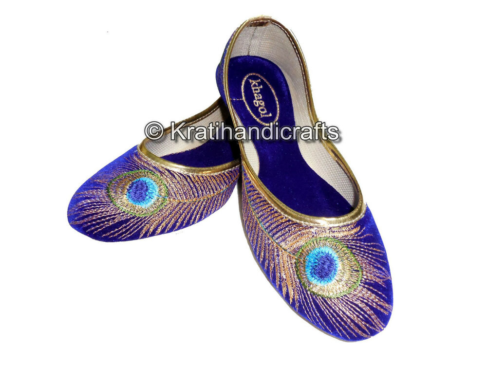 Shop for embroidered flats and other women's shoes products at ShapeShop. Browse our women's shoes selections and save today.