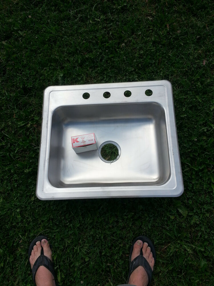 """NEW STAINLESS STEEL SINGLE BOWL KITCHEN SINK 25"""" X 22"""""""