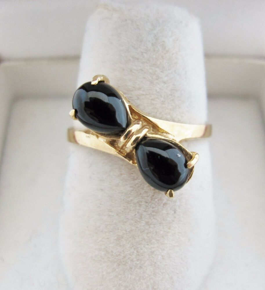 14K Yellow Gold Ladies Ring with 2 Black Onyx (2.6 grams ...