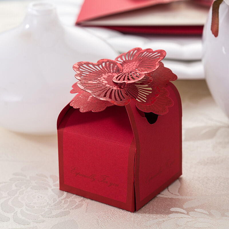 Small Gift For Wedding: Wholesale Red Floral Wedding Favor Candy Boxes Paper Laser
