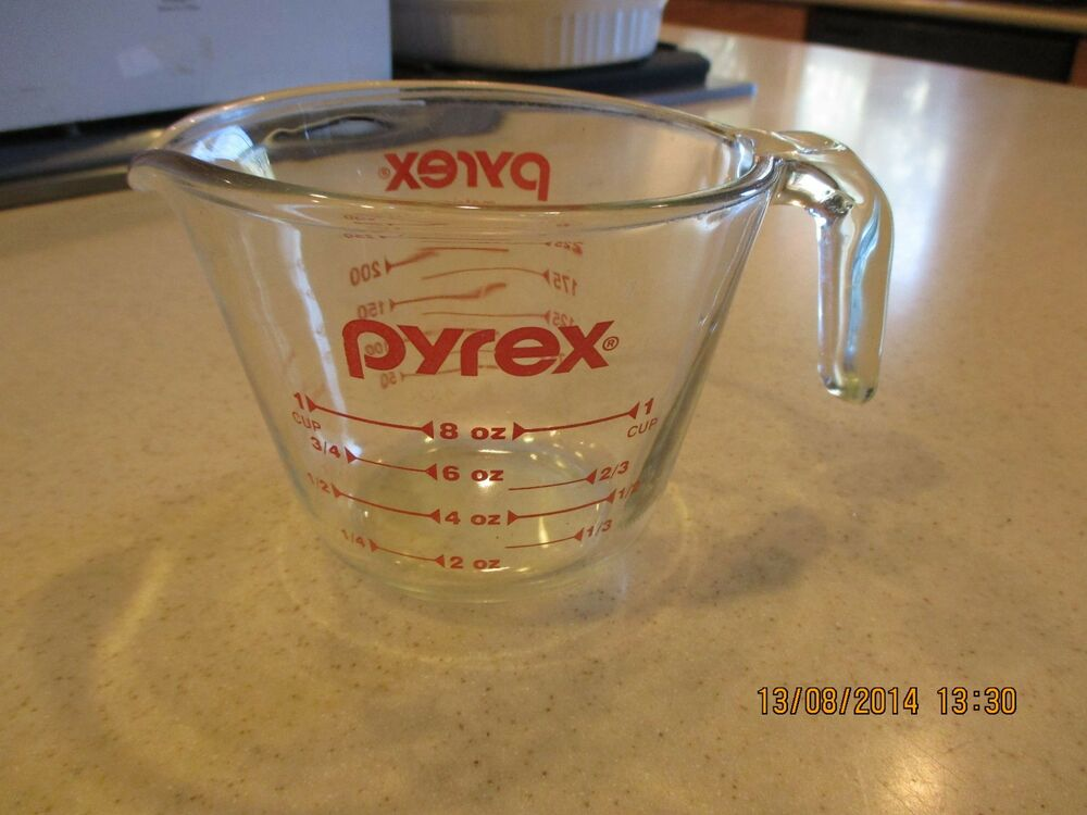 pyrex 1 cup 8 oz metric measuring cup red letter open handle glass usa ebay. Black Bedroom Furniture Sets. Home Design Ideas