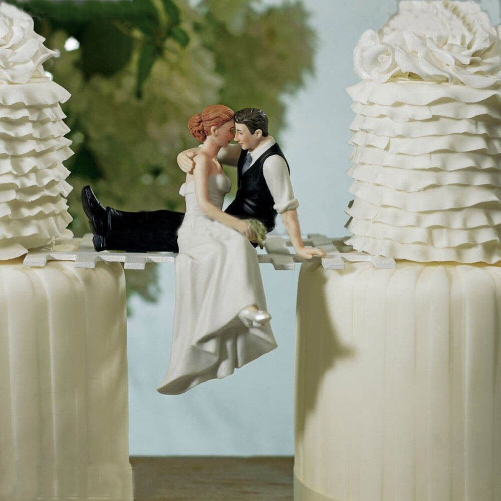 Bride Wedding Cake Topper: Romantic Wedding Cake Topper Figure Bride & Groom Couple
