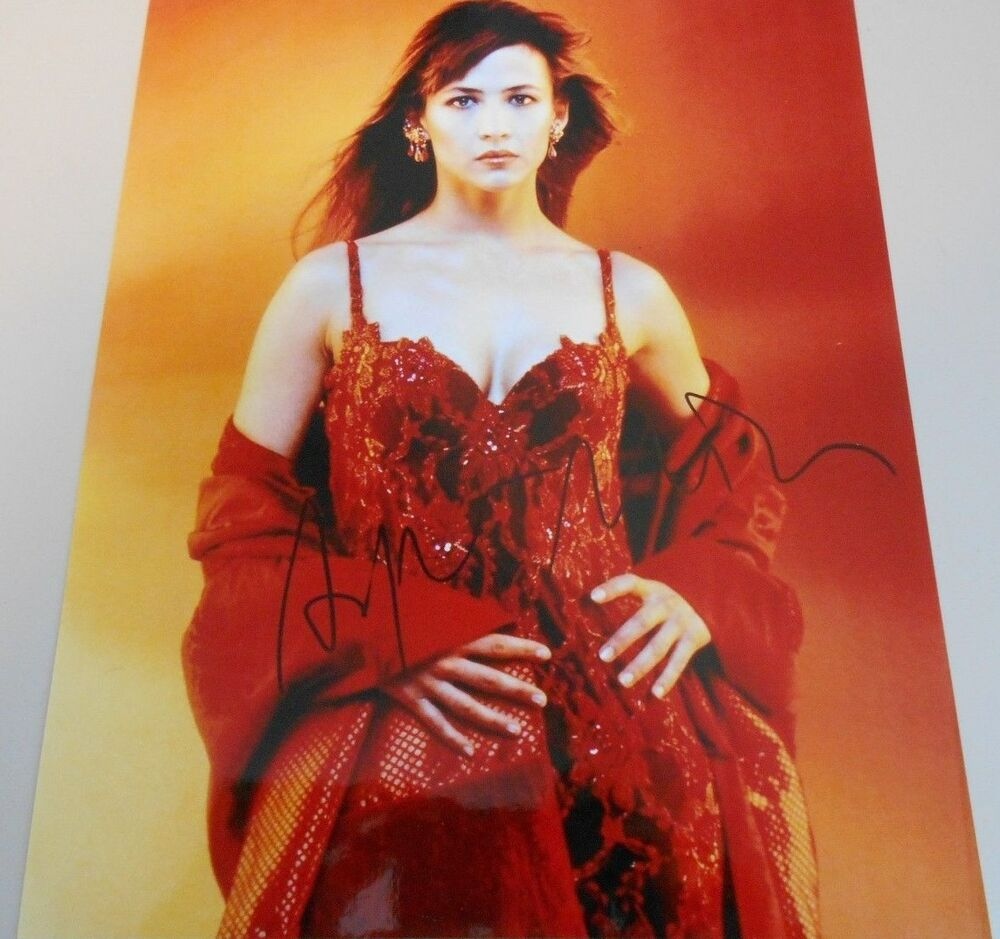 Sophie Marceau Actress Red Dress 007 Photo Hand Signed 8 X 10 W Coa Ebay