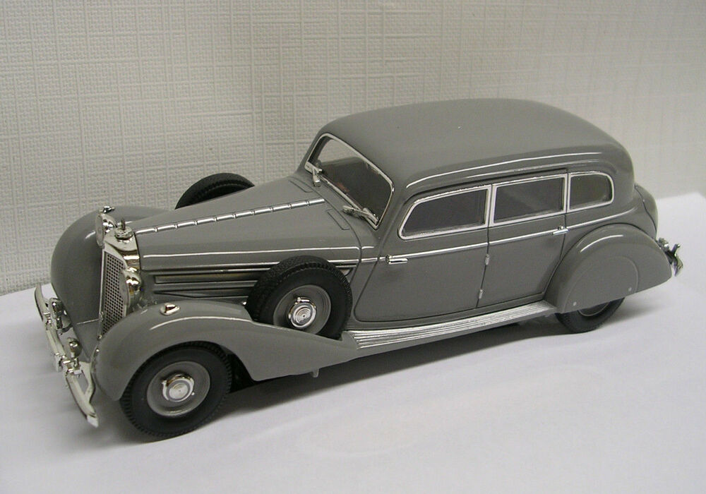 1938 Mercedes Benz 770K Sedan Grey 1:43 Die-Cast Signature