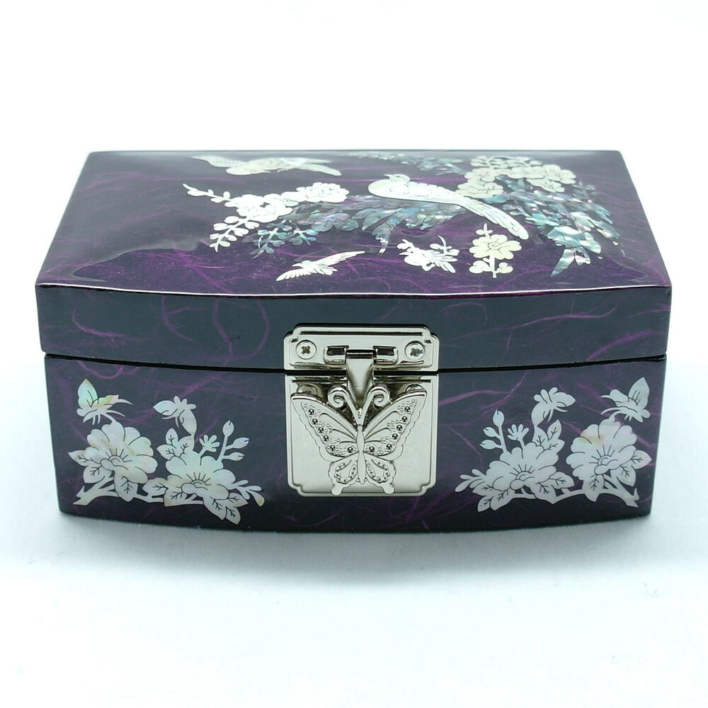 Glossy jewelry box inlaid with mother of pearl on for Mirror jewelry box