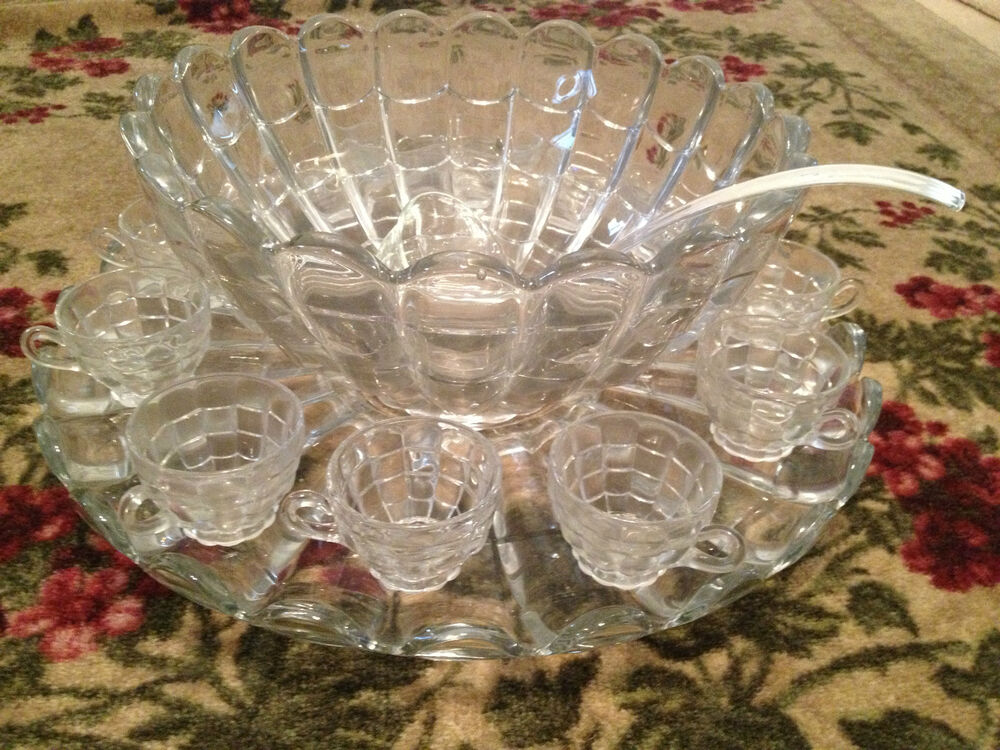 vintage antique cambridge glass spider web pattern punch bowl set 12 cups tray ebay. Black Bedroom Furniture Sets. Home Design Ideas