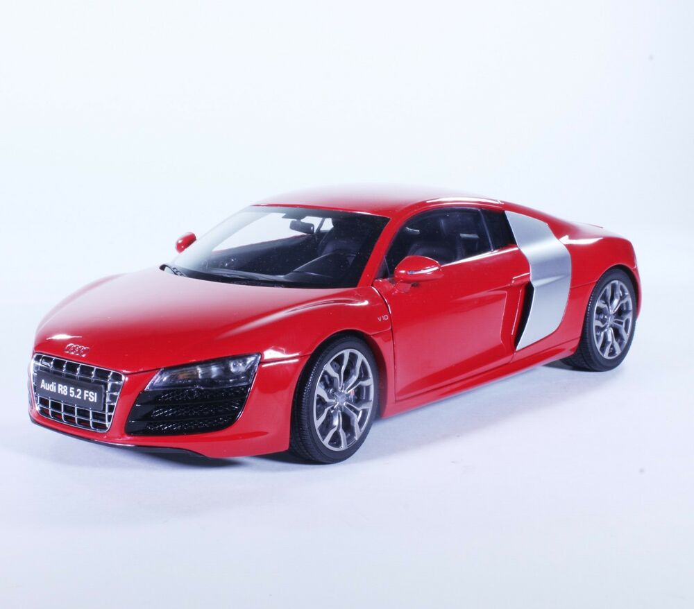 TC18 New Audi R8 Hard Top Sport Coupe Red 1:18 1/18