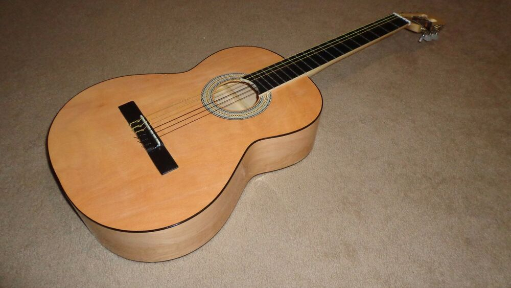 new classical acoustic guitar hand made in mexico great sound ebay. Black Bedroom Furniture Sets. Home Design Ideas