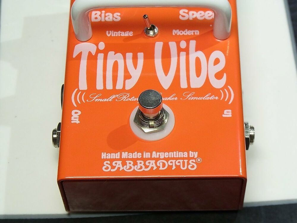 new sabbadius custom pedal effects tiny vibe leslie emulator hendrix pedal ebay. Black Bedroom Furniture Sets. Home Design Ideas