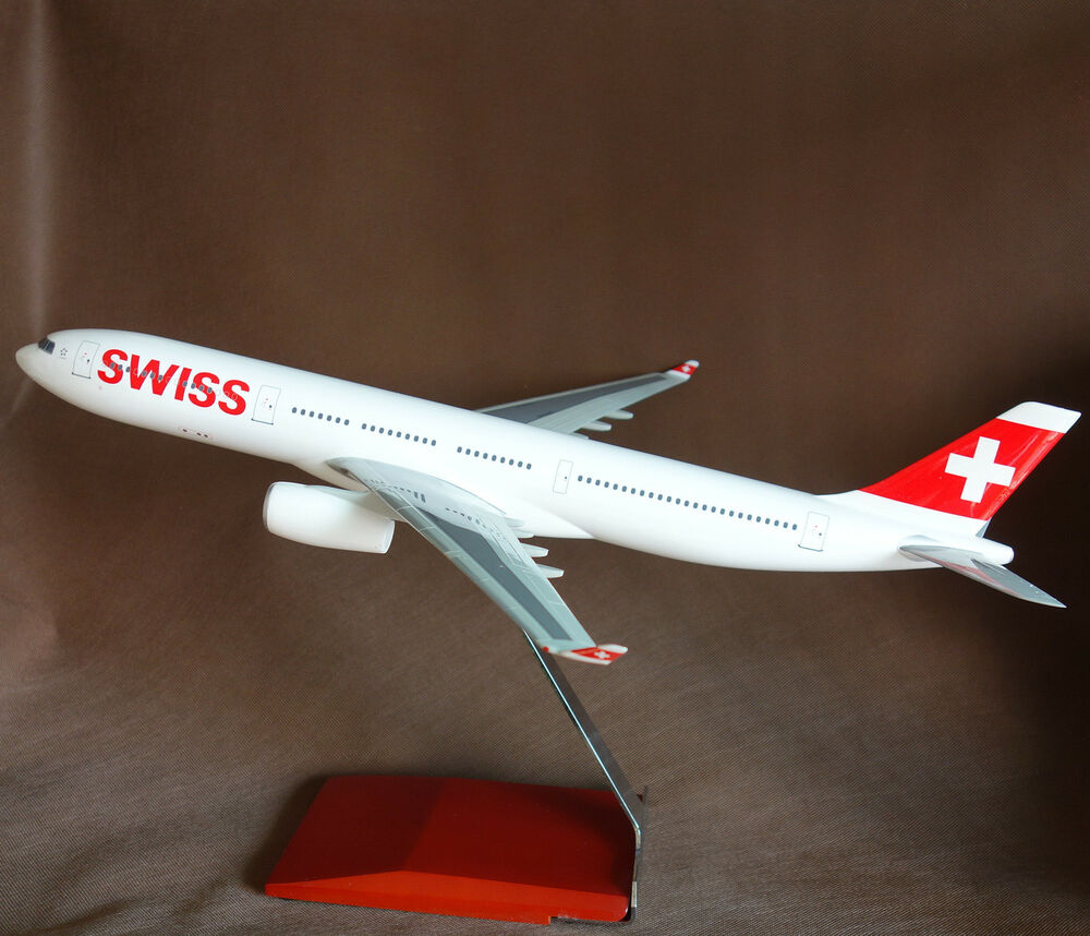 Large 1/120 Swiss Airbus A330-300 Desk Display Model ...