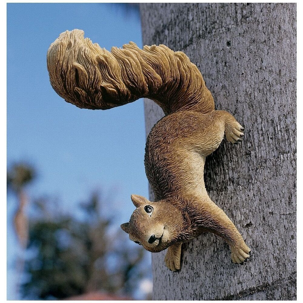 Garden decor squirrel hanging statue resin art tree for Outdoor hanging ornaments