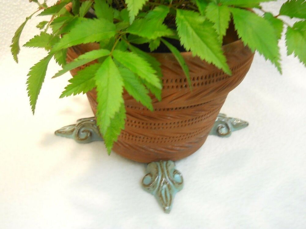 pot feet ceramic flower planter risers fleur de lis design turquoise set 4 ebay. Black Bedroom Furniture Sets. Home Design Ideas