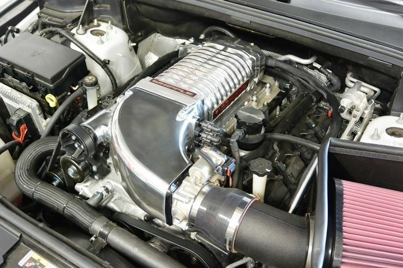 Jeep Cherokee SRT8 6.4L Whipple Charger Supercharger ...