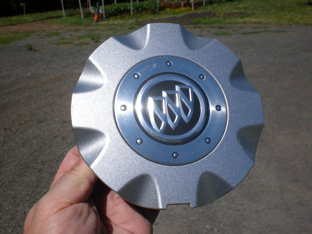 2005 2009 Buick Lacrosse Allure Light Silver Oem Center Cap P N 9595038 Ebay