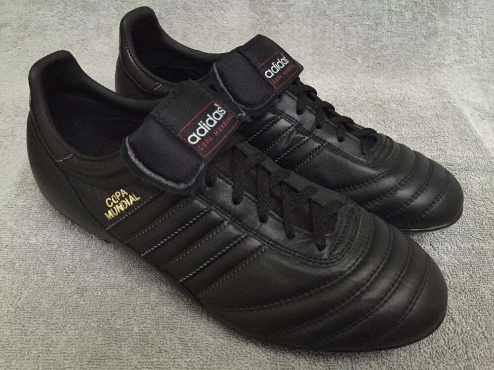 adidas copa mundial blackout free gift ref gloro adipure. Black Bedroom Furniture Sets. Home Design Ideas