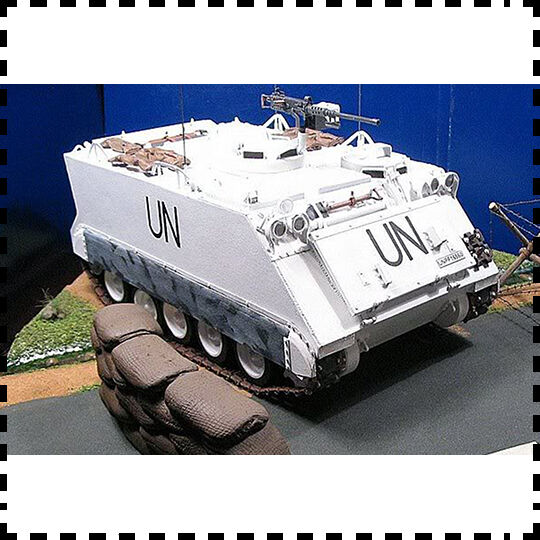 1:25 Scale UN M113 Armored Personnel Carrier DIY Handcraft