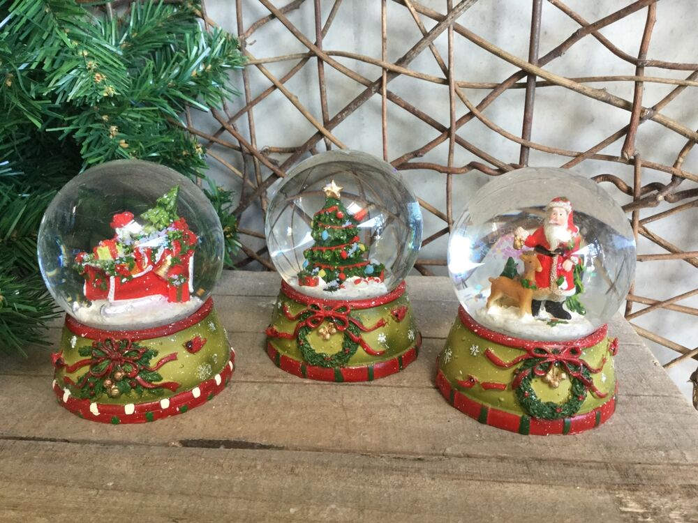 Gisela Graham Traditional Christmas Snow Globes Tree