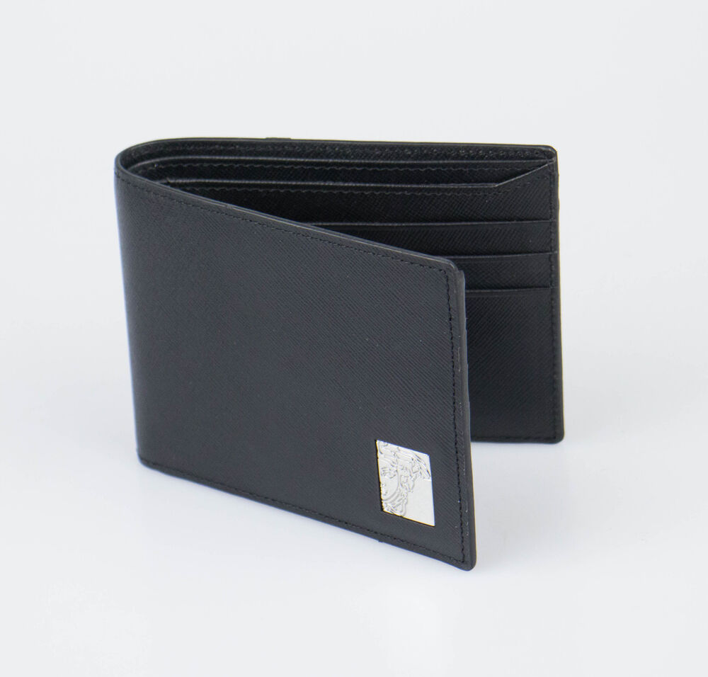 Men's Versace Wallets It's easy to spot a Versace wallet thanks to the brand's distinctive Medusa head trademark. Made from embossed leather that's often brightly colored, we wouldn't trust this credit cards and loose change in anything other than on the of the Italian brand's creations.