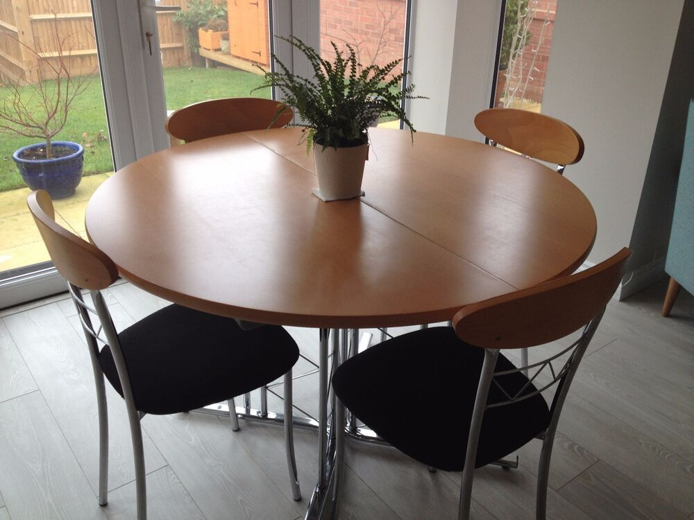 Extendable Kitchen Table And Chairs Extendable Dining Room Tables Marceladick Extending Pine
