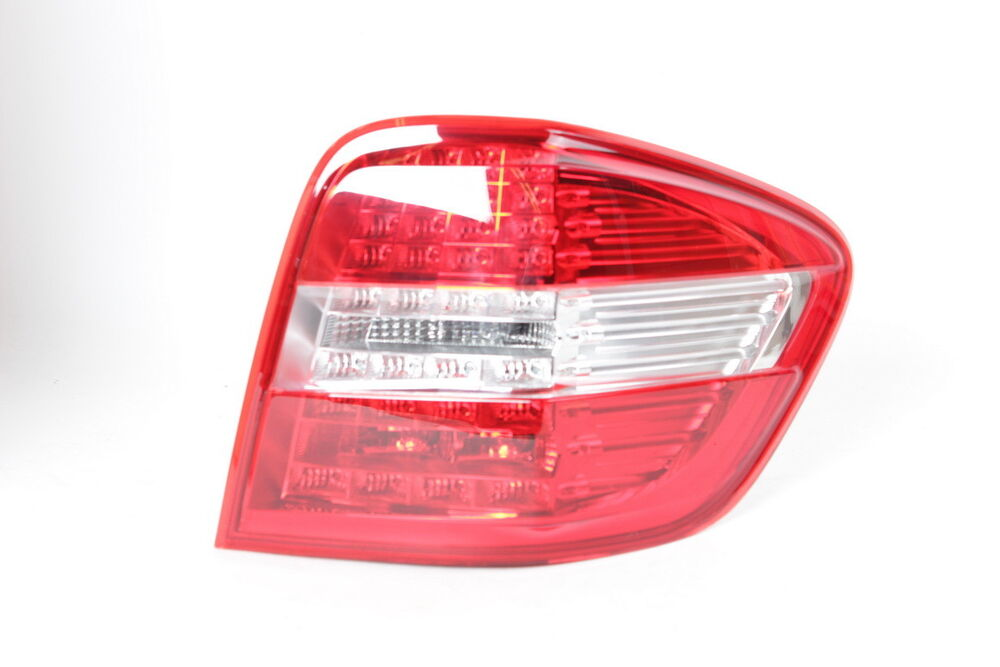Mercedes Benz Genuine Rear Right Tail Light Lamp Led Ml320