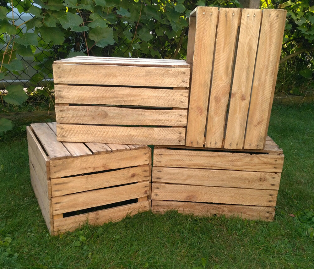 6 amazing vintage wooden apple crates boxes ground and for Vintage apple boxes